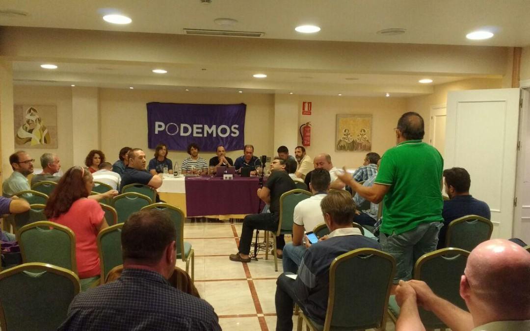 PODEMOS celebra unas jornadas sobre la limpieza en Marbella con técnicos y concejales de la delegación.