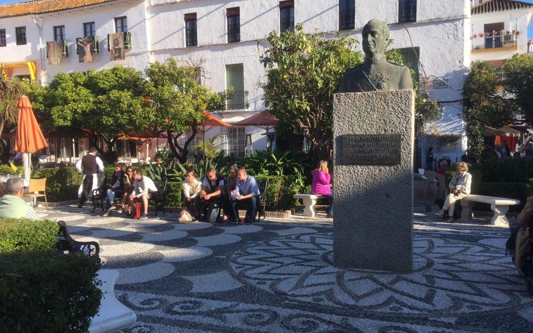 """PODEMOS informa que la """"okupación"""" de las mesas en la Plaza de los Naranjos no cuenta con informe jurídico y presenta objeciones del Interventor."""