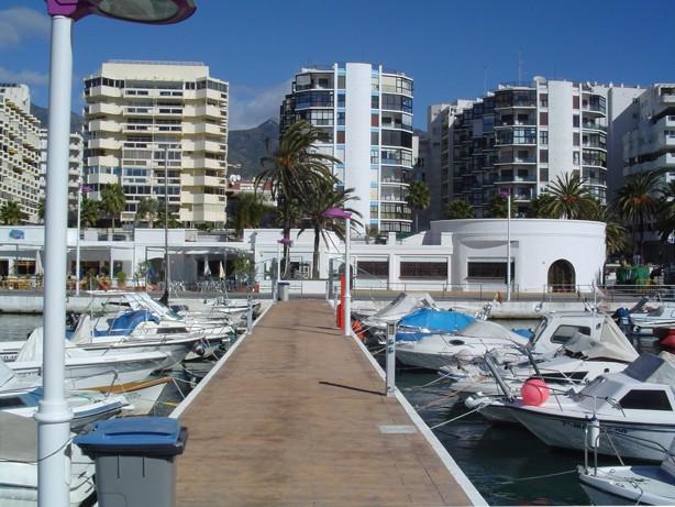 Podemos califica de chapuza interesada la convocatoria a Director del Puerto Deportivo de Marbella.